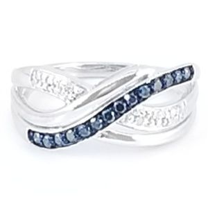 Jewelry - Sterling Silver Blue & White Diamond Ring